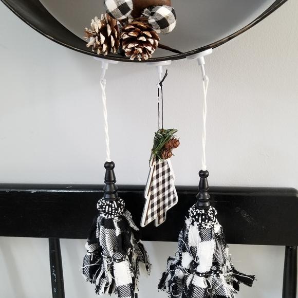 Black & White Buffalo Check Oranaments